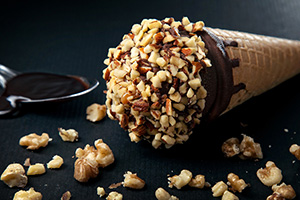 Дроблёные орехи в блендере RAWMID Mini