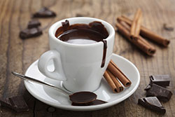 Горячий топлёный шоколад в планетарном миксере RAWMID Luxury RLM-05